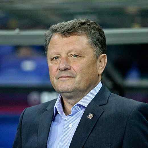 https://www.basenaugustow.pl/wp-content/uploads/2017/10/team_coach_03-1.jpg